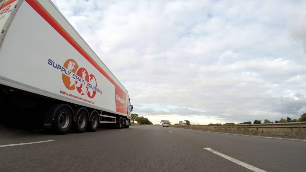משאית הובלות נקייה