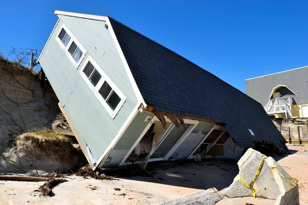 בית שנפל מרכב הובלה