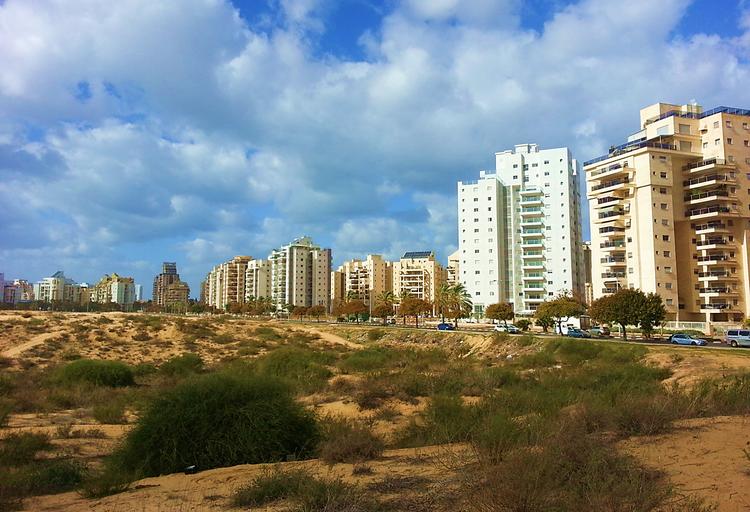 העיר חולון עם הרבה מעברי דירה